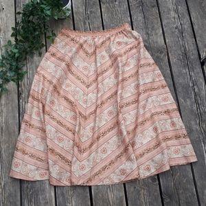 Vintage light and flowy skirt